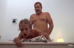 The Father Who Fucks His Daughter Hard As He Knows Best