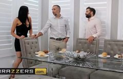 Audrey Bitoni Has Oral Sex With Two Men As She Likes