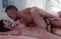 He Fucks His Mistress Who Offers Him More Xxx Sex