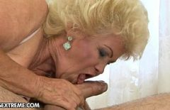 My Mother-in-law With Pussy Flakes Makes Xxx For Money