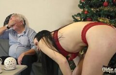 Tough Porn With The Grandfather Who Fucks His Daughter Hard On Christmas Eve