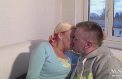 Amateur German Couple Fuck In A Rented Apartment
